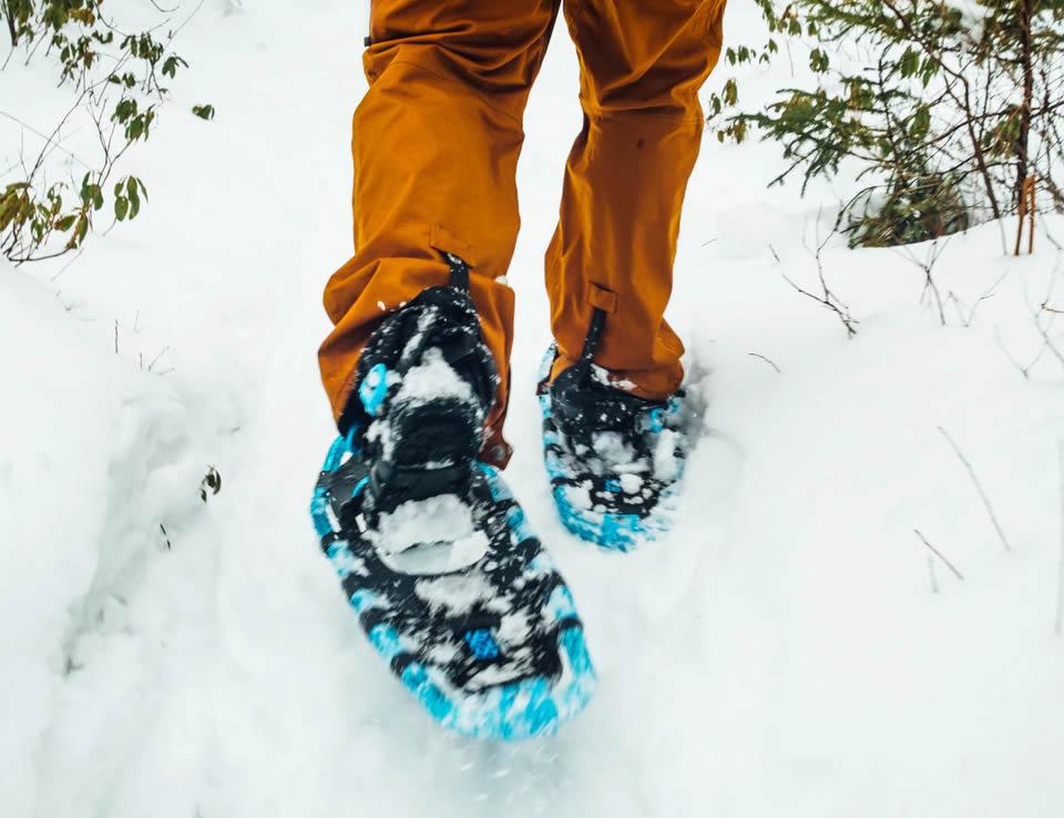snowshoeing-01